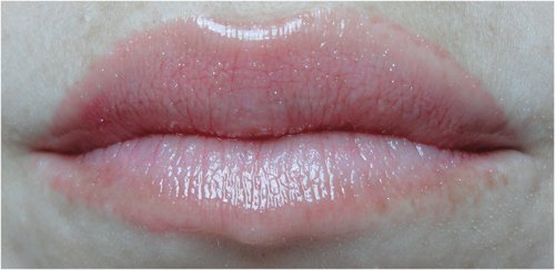 Detalhe Gloss Labial Cereja Natura Faces